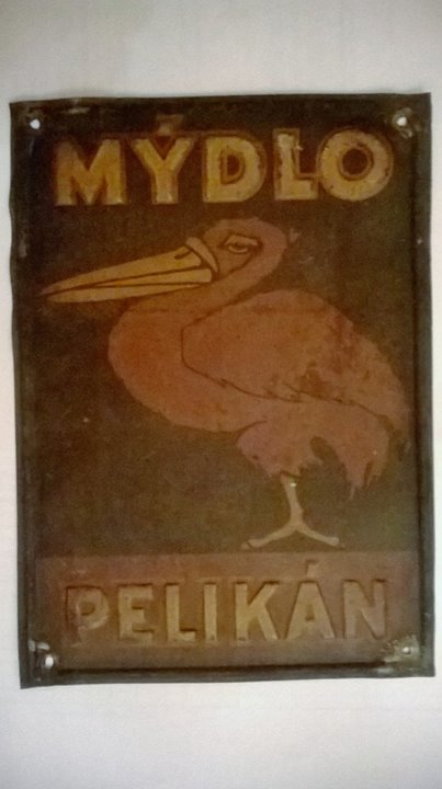 Plechová cedule Mýdlo Pelikán