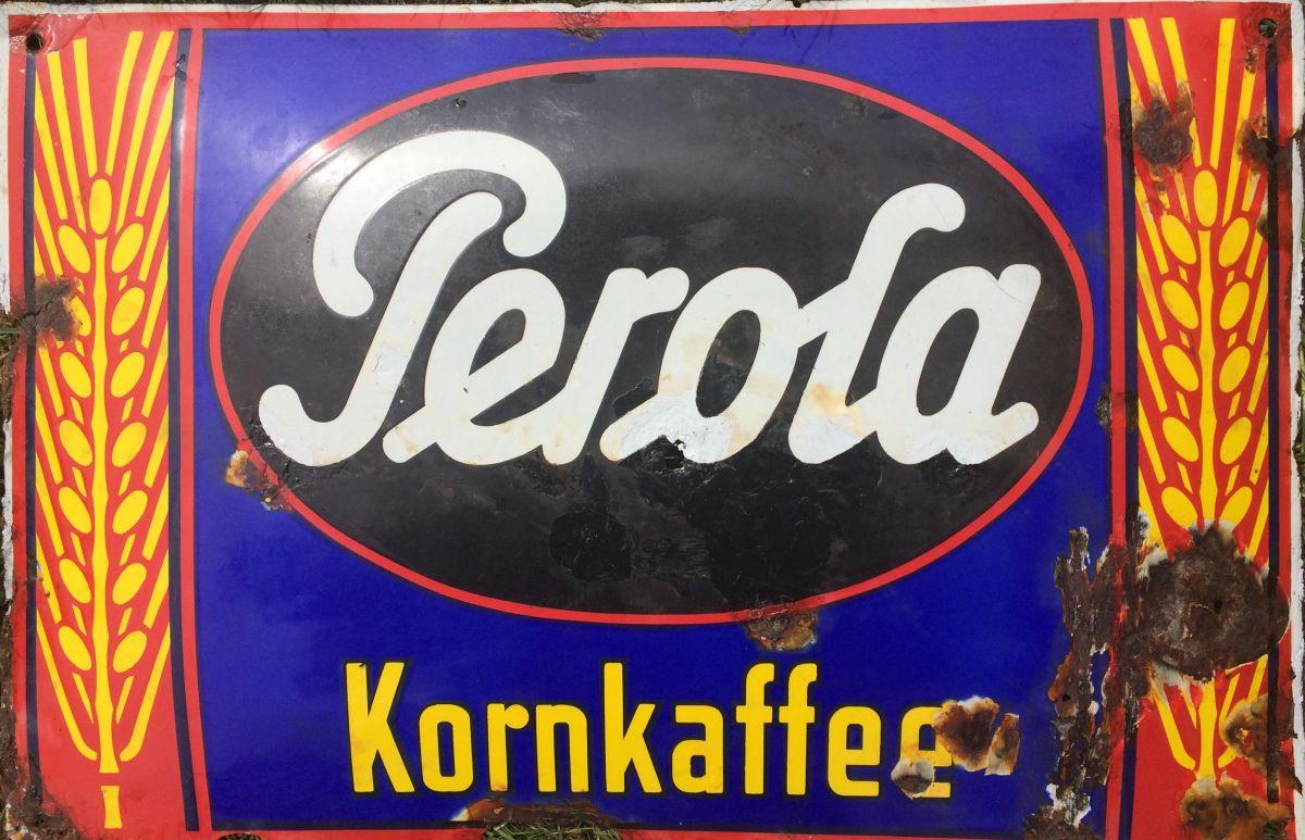Originální starožitná smaltovaná cedule Perola Kornkaffee
