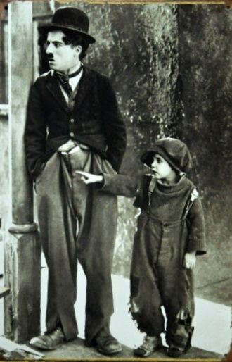 Plechová retro cedule Charlie Chaplin street