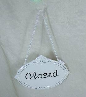 Plechová cedulka na dveře Closed