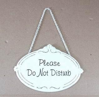 Plechová cedulka na dveře Please do not disturb