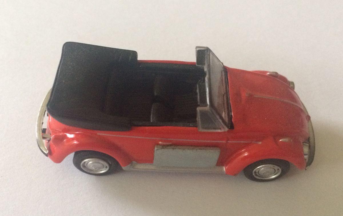 Magnet na lednici Volkswagen brouk cabrio - červené