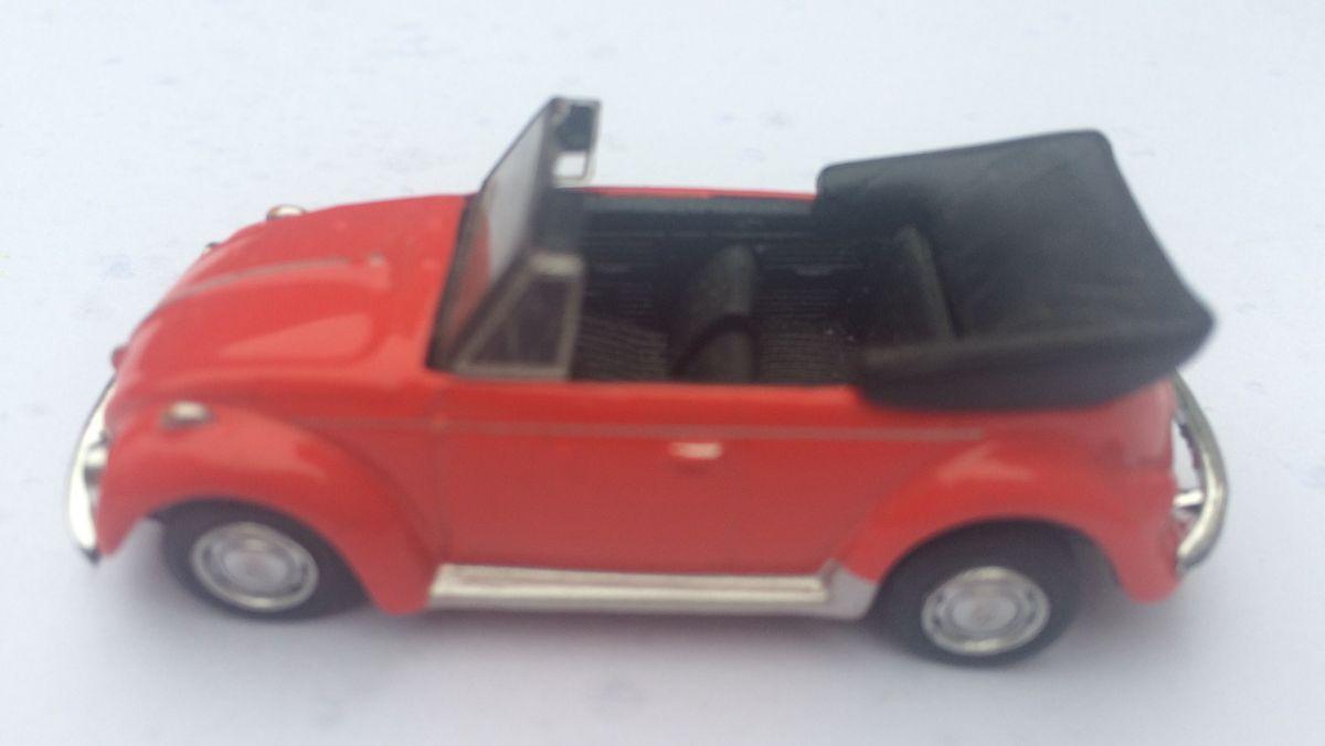 Magnet na lednici Volkswagen brouk cabrio - červené bez magnetu