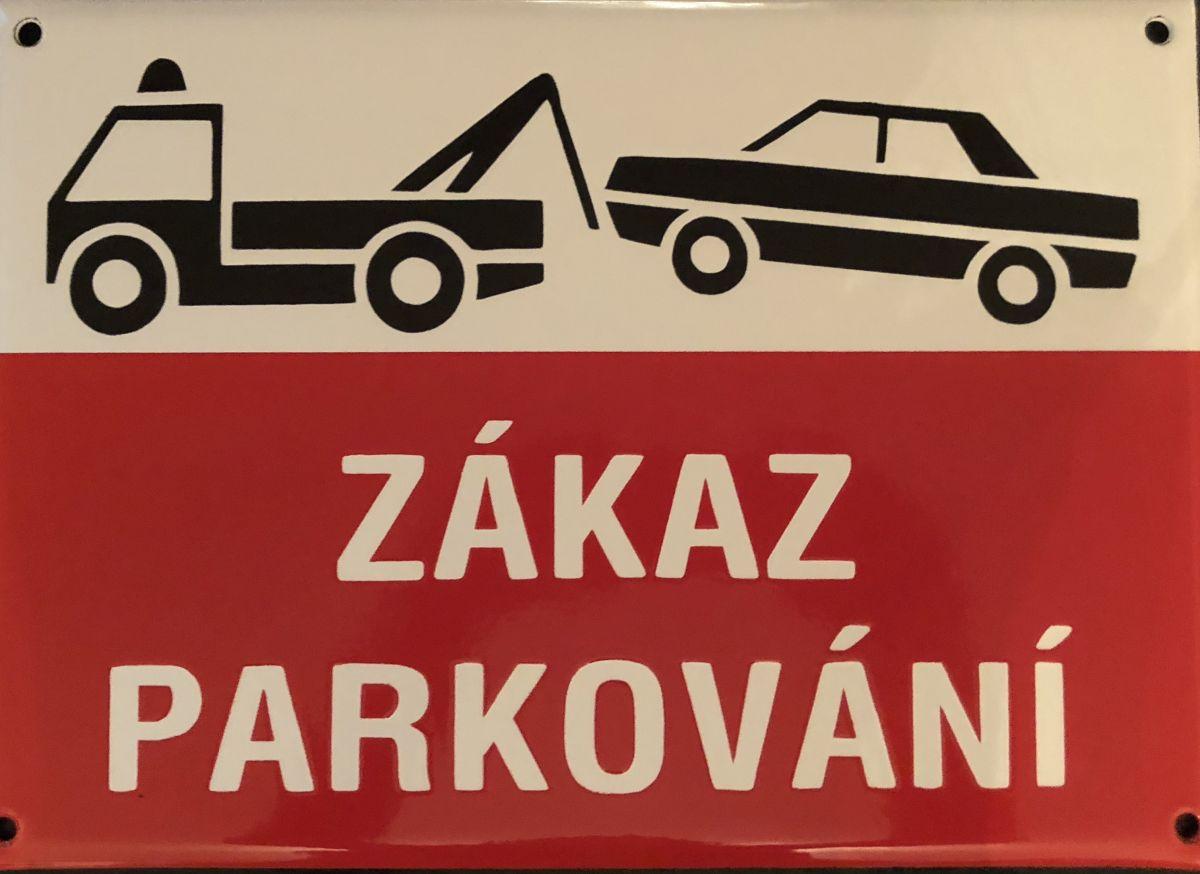 Smaltovaná výstražná cedule - Zákaz parkování odtah vozu