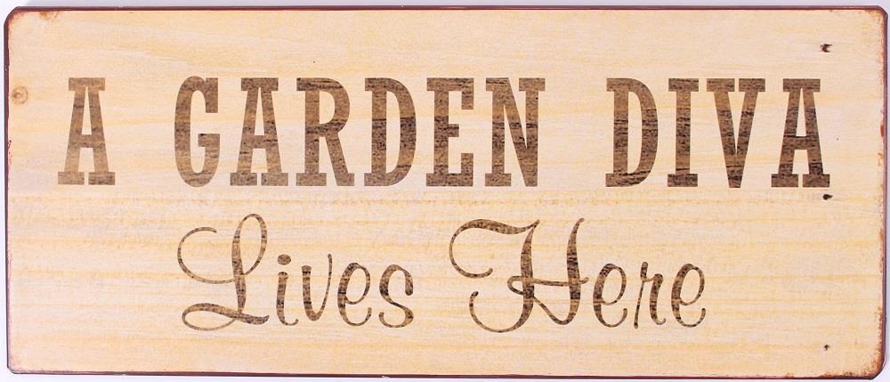 Plechová cedule A garden diva poškozené zboží.