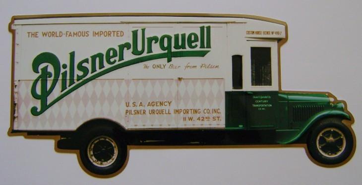 Originální plechová cedule Pilsner Urquell auto poškozeno