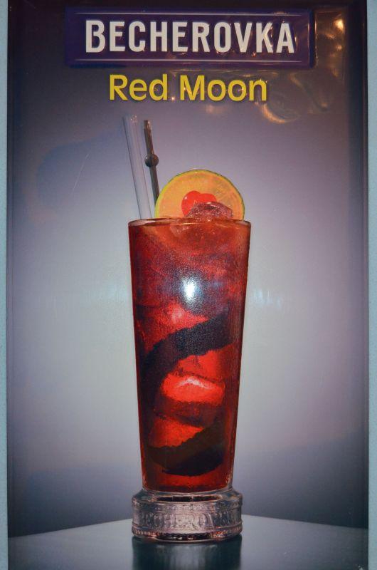 Plechová cedule Becherovka Red Moon